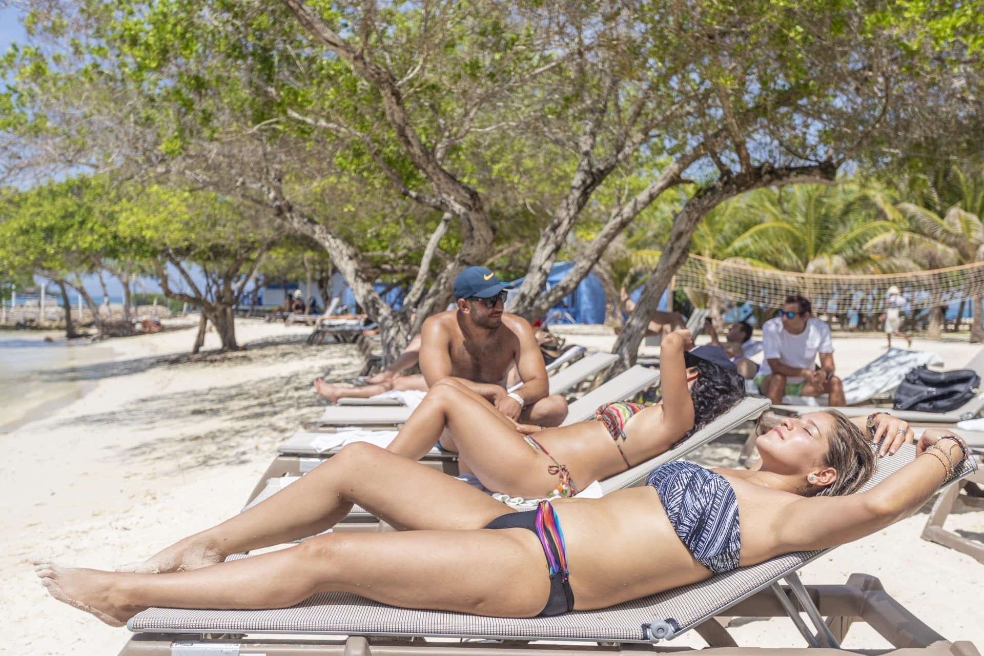 Paradise Island - Gente de Mar