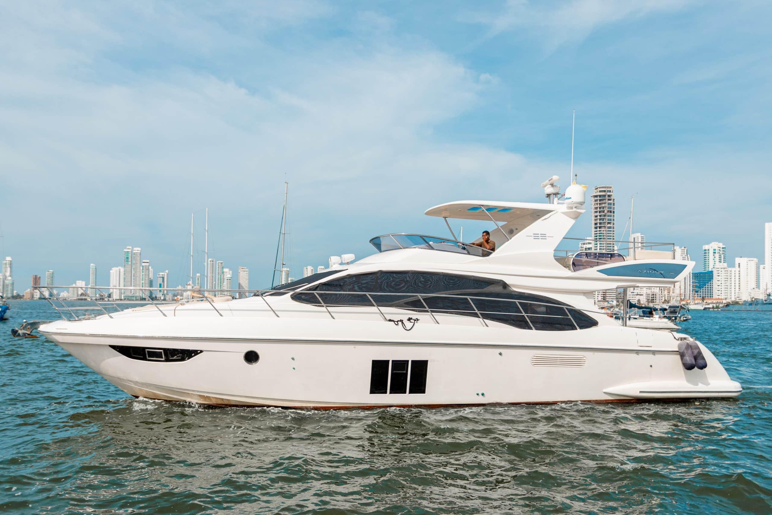 65 Yacht Azimut