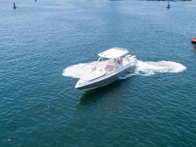 38ft Speedboat