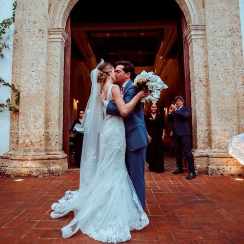 wedding-destination-cartagena-Iglesia-San-toribio